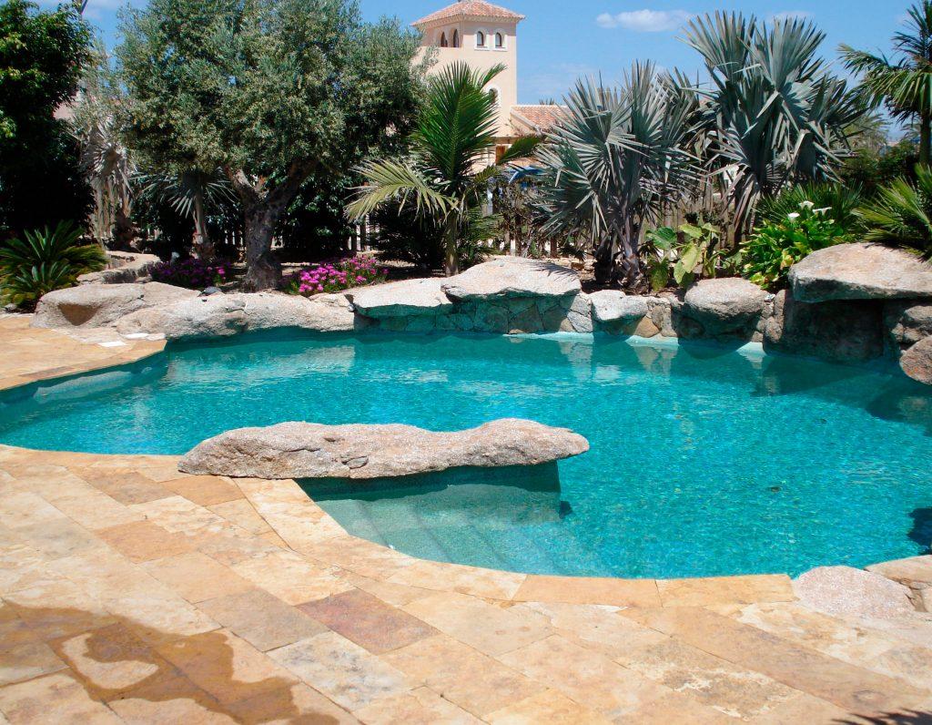 Construcci n de piscinas en m laga de hormig n proyectado - Precios de piscinas de hormigon ...