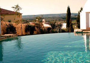 Piscinas en Granada integradas