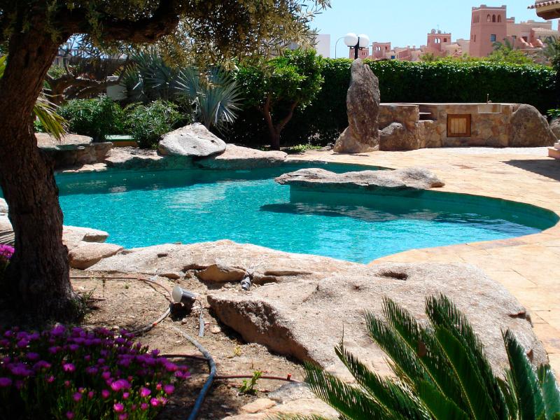 En Hidrosport somos constructores de piscinas