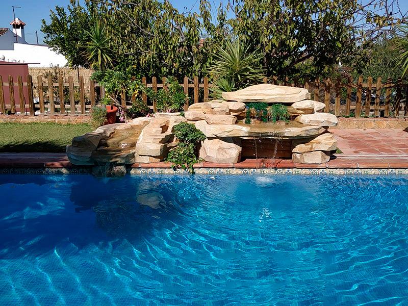 piscinas modernas con cascadas