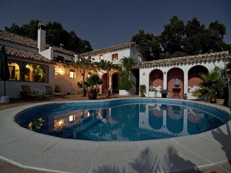 diseños de piscinas modernas